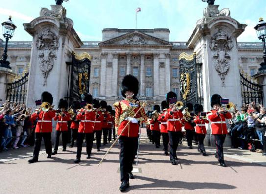 London City Sightseeing Tour - Twelve Transfers
