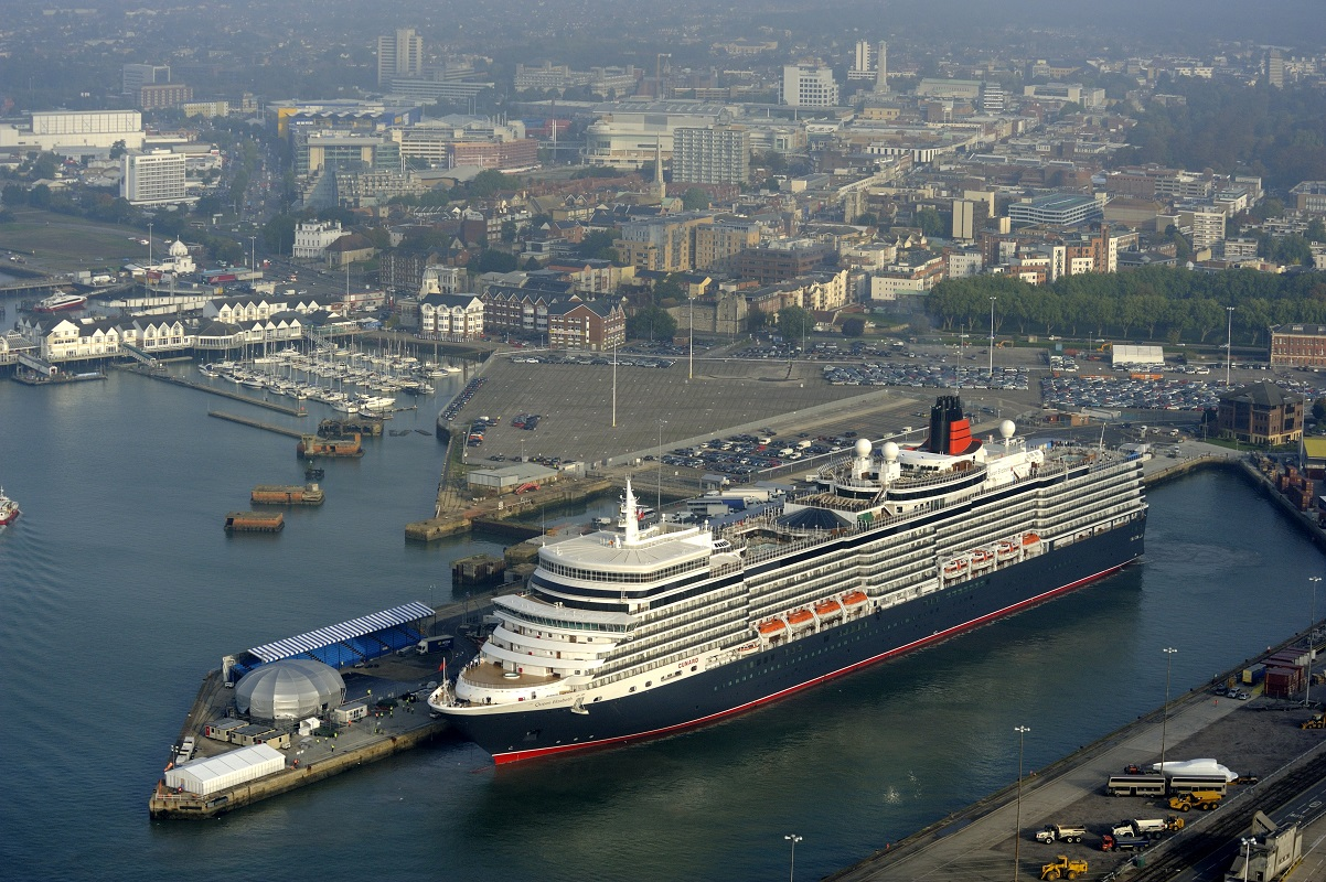 London – Southampton Port Taxi Transfers from ₤89.00*