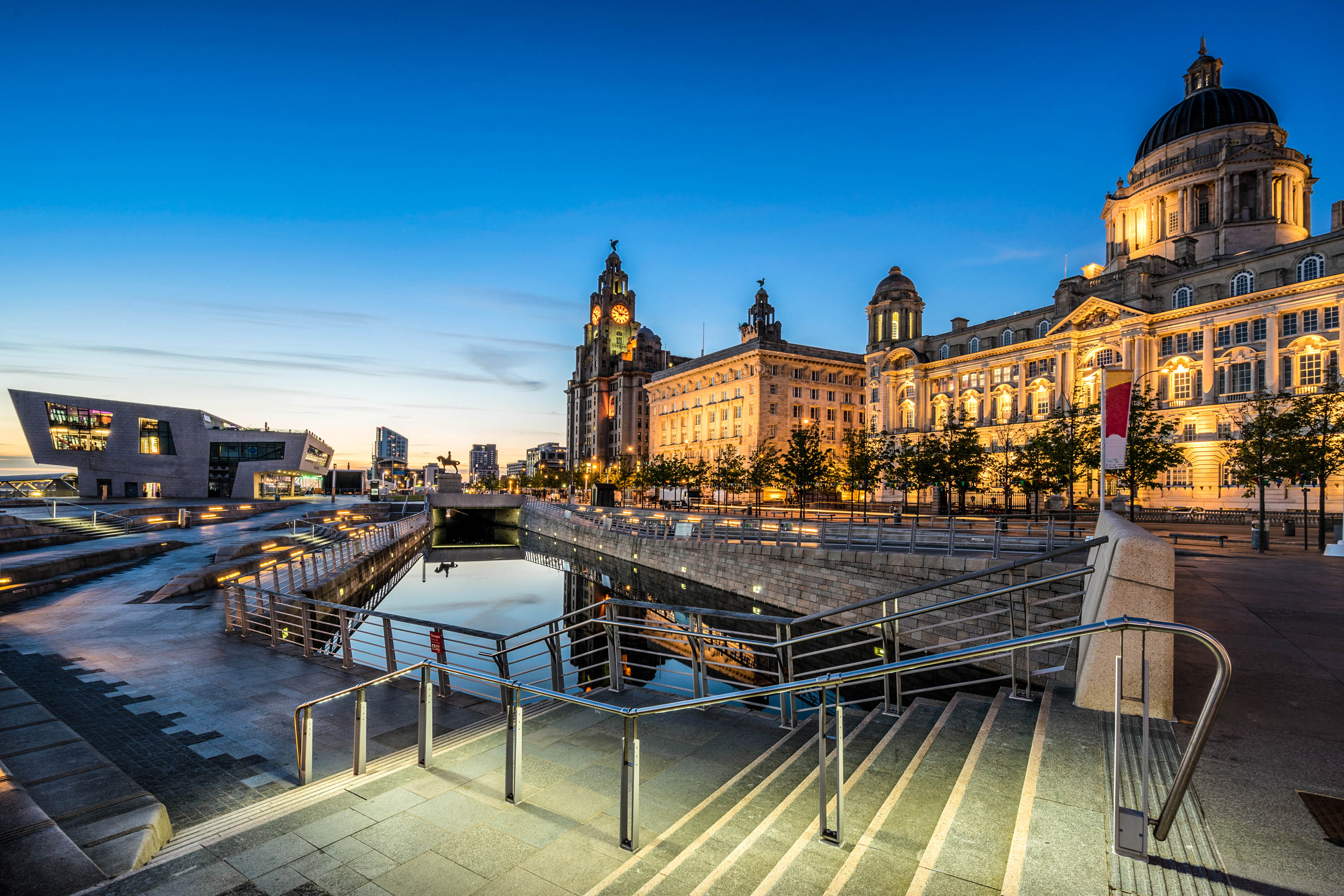 Taxi Liverpool – Stansted Airport from £269.00*