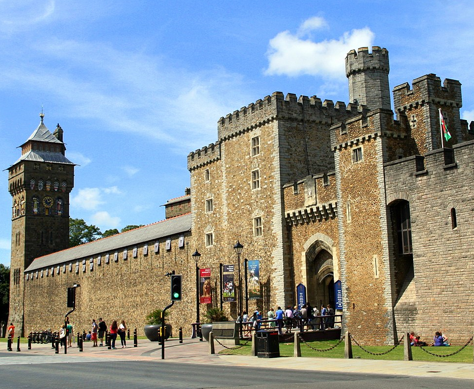 Taxi Cardiff – Heathrow Airport from £179.00*