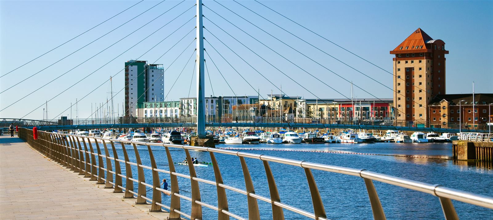 Taxi Swansea – Luton Airport from £249.00*