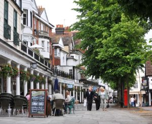 Taxi Tunbridge Wells – Heathrow Airport from £109.00*